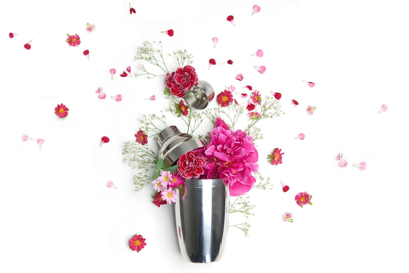 꽃을 칵테일에 활용하는 법 Drink Magazine